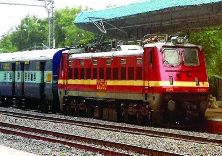 गुड न्यूज! भागलपुर की सभी लंबी दूरी की ट्रेनों में लगेंगे इलेक्ट्रिक इंजन