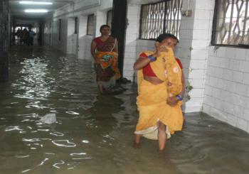 बाढ़ के बाद अब 'काला पानी' की सजा भुगत रहे हैं पटनावासी, पढ़िए
