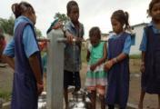 पानी की किल्लत से पुर्वी चम्पारण में मचा हाहाकार, पीने के पानी को तरस रहे हैं लोग