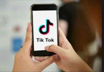 TikTok वीडियो बनाते समय चलती ट्रेन से टकराया 18 साल का युवक, दर्दनाक मौत