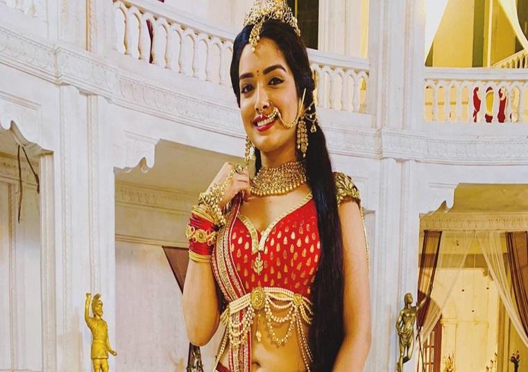 भोजपुरी दिवा आम्रपाली दुबे ने अक्षय कुमार का 'बाला चैलेंज' किया पूरा, राजकुमारी बन ऐसे किया डांस
