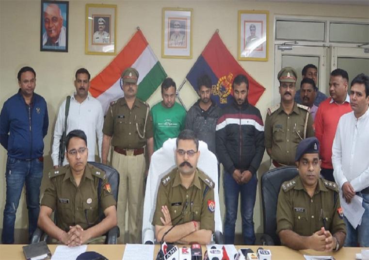 बिहार के पूर्व मुख्यमंत्री के दिल्ली स्थित फ्लैट से लाखों के आभूषण और नगदी चोरी करने वाले 3 बदमाश गिरफ्तार