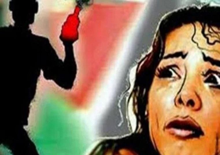 गोपालगंज में छेड़खानी का विरोध करने पर छात्रा पर फेंका तेजाब, दो गिरफ्तार