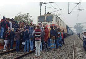 CAA और NRC के खिलाफ JAP के साथ भाकपा माले का प्रदर्शन, दरभंगा में रोकी बिहार सम्पर्क क्रांति ट्रेन
