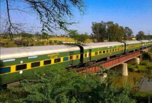 बिहार से होकर गुजरती हैं देश की ये टॉप 04 ट्रेनें, जानिए कितनी दूरी करती हैं तय