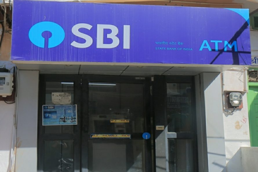 कोरोना इफेक्ट: 3 महीने तक किसी भी ATM से पैसे निकालने पर नहीं लगेगा चार्ज
